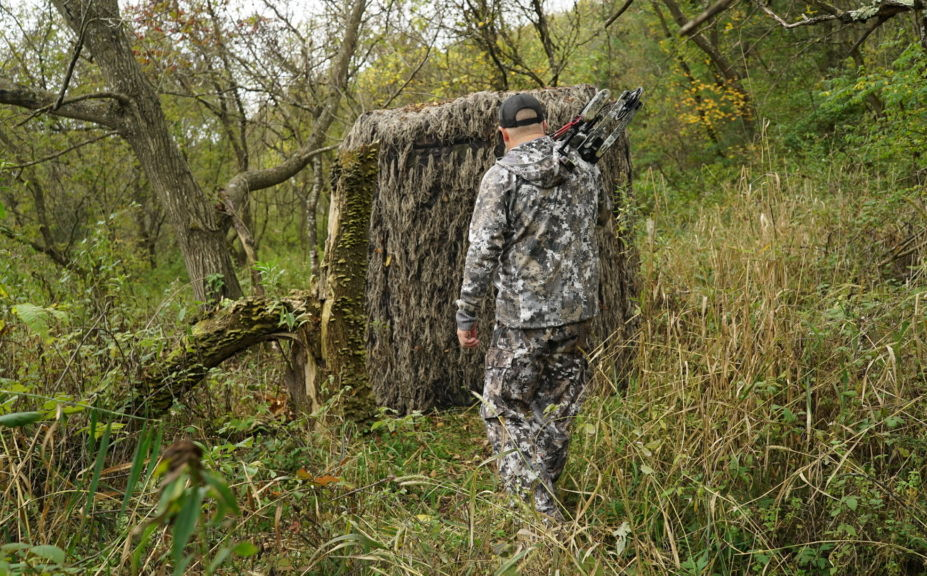 when to hunt a mature buck